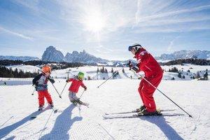 Тренер по горным лыжам